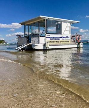 gold-coast-best-bbq-boat-11